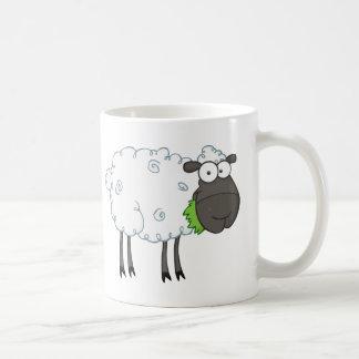Personnage de dessin animé de moutons noirs mug blanc