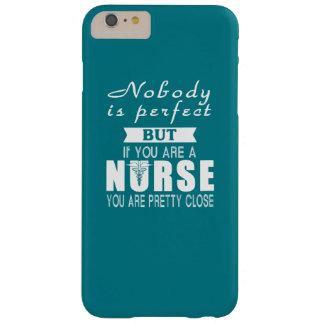 Personne n'est parfaite mais infirmière coque barely there iPhone 6 plus