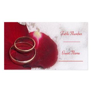 Pétales de rose d'anneaux d'or épousant le couvert carte de visite standard