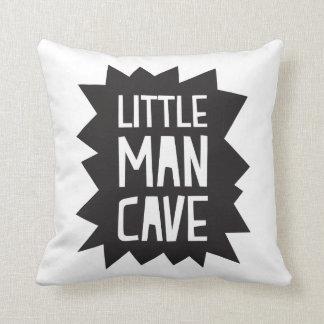 Petit coussin de caverne d'homme
