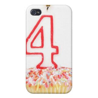 Petit gâteau avec une bougie numérotée 2 d'anniver coque iPhone 4/4S