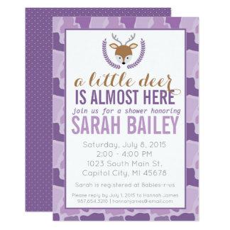 Petit invitation pourpre de baby shower de cerfs
