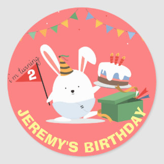 Petit lapin mignon avec la fête d'anniversaire de sticker rond