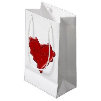 Petit Sac Cadeau Abigaïl. Joint rouge de cire de coeur avec Abigaïl