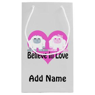 Petit Sac Cadeau Croyez à l'amour ! Yetis mignons