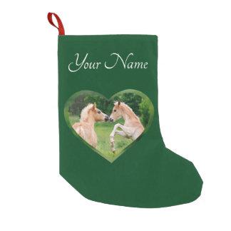 Petite Chaussette De Noël Coeur mignon d'amis de poulains de chevaux de