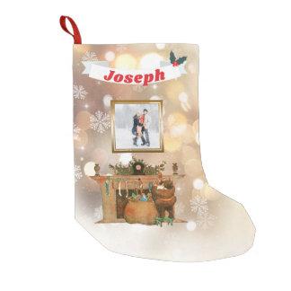 Petite Chaussette De Noël Flocons de neige nommés de Père Noël Bokeh de