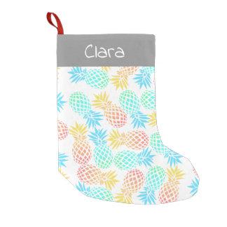 Petite Chaussette De Noël motif coloré tropical d'ananas d'été élégant