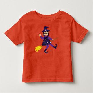 Petite sorcière mignonne t-shirt pour les tous petits