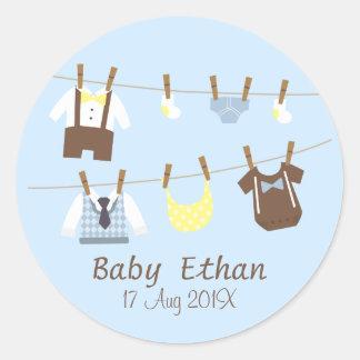 Petits cadeaux de douche de bébé de monsieur sticker rond