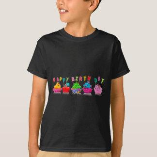 Petits gâteaux de joyeux anniversaire - le T-shirt