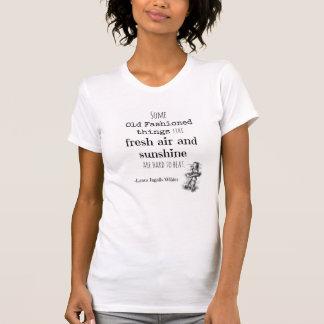 Peu de Chambre sur le T-shirt de prairie