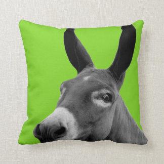 Photo animale drôle noire et blanche d'âne coussin