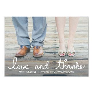 Photo blanche de mariage de typographie d'amour et carton d'invitation  12,7 cm x 17,78 cm