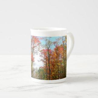 Photographie de nature d'automne d'arbres de chute mug