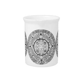 Pichet Broc de porcelaine avec le calendrier aztèque