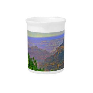 Pichet Canyon grand dans le broc de l'eau de bande
