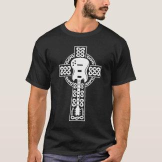 Pièce en t de croix celtique t-shirt