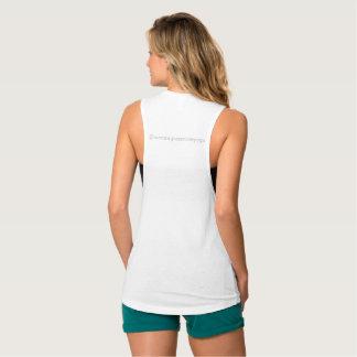 Pièce en t du muscle des femmes de yoga de bases débardeur
