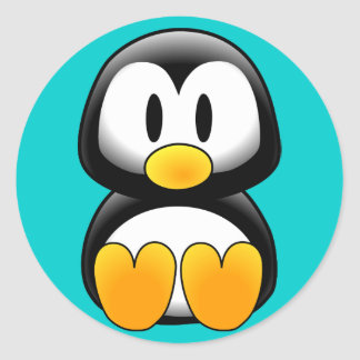 Pingouin drôle mignon de bébé sticker rond