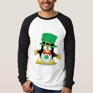 Pingouin du jour de St Patrick T-shirt