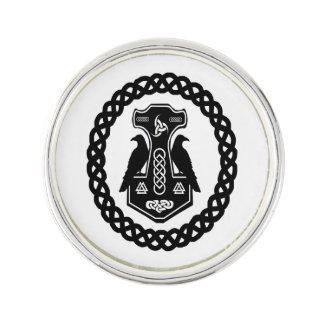 Pin's Le marteau du Thor en cercle celtique de noeud