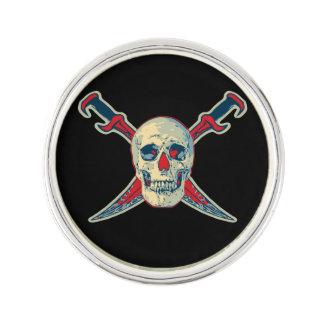 Pin's Le pirate (crâne) - Pin rond de revers, argentent