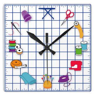 Piquez et cousez le temps horloge carrée
