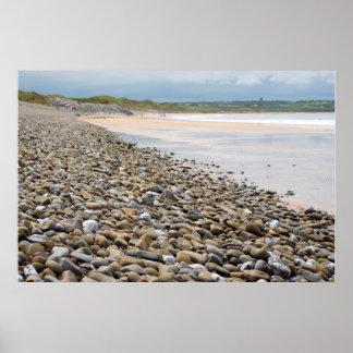 plage pebbled de ballybunion près des liens