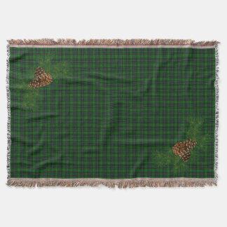 Plaid vert avec le détail de cône de pin couvre pied de lit