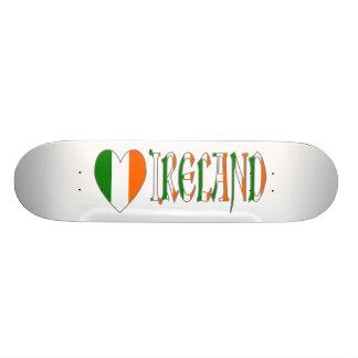 Planche À Roulette Coeur et mot irlandais Irlande de drapeau