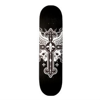 Planche à roulettes croisée à ailes par crâne plateaux de skateboards customisés