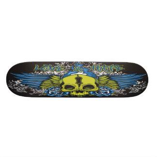 Planche à roulettes urbaine de crâne d'amour et de skateboard customisable