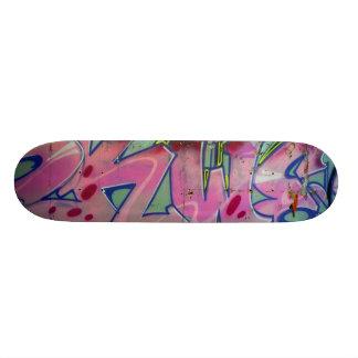 Planches À Roulettes Customisées Planche à roulettes rose de graffiti