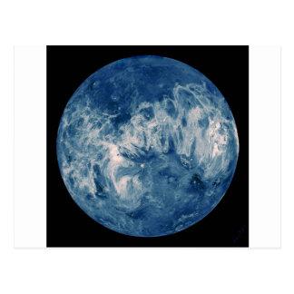 Planète bleue - lune bleue carte postale