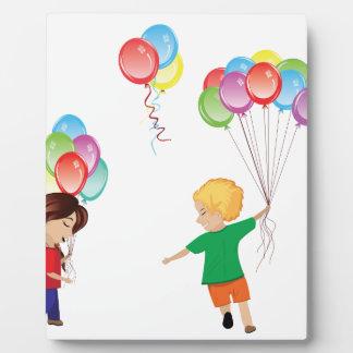 Plaque Photo Enfants avec des ballons
