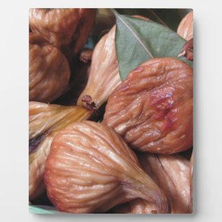 Plaque Photo Fruits d'automne. Plan rapproché des figues sèches