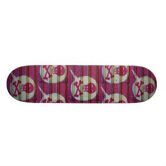 Plateau De Planche À Roulettes Planche à roulettes rose de crâne