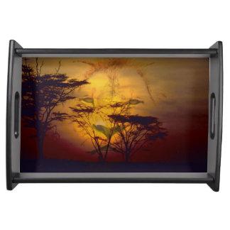 Plateau Lion regardant au-dessus du coucher du soleil