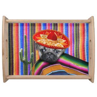 Plateau mexicain de portion de chien de carlin