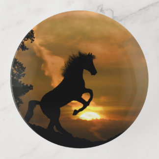 Plateaux de cheval et de bibelot de lever de