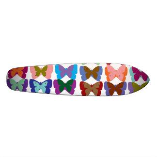 Plateaux De Skateboards Exposition de papillon