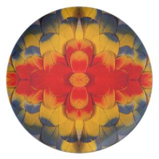 Plume d'ara d'écarlate de kaléidoscope assiettes en mélamine
