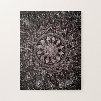 Points roses élégants de mandala d'or et puzzle