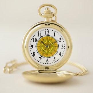 Points traditionnels avec la montre de poche jaune