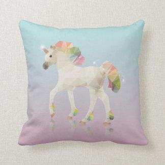 Polygone coloré de licorne d'arc-en-ciel - coussin