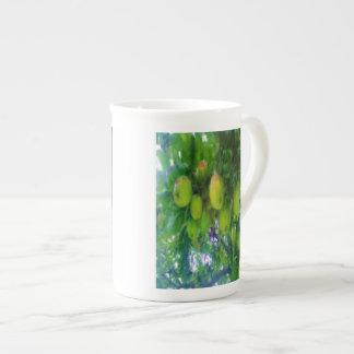 Pommes sur un arbre mug