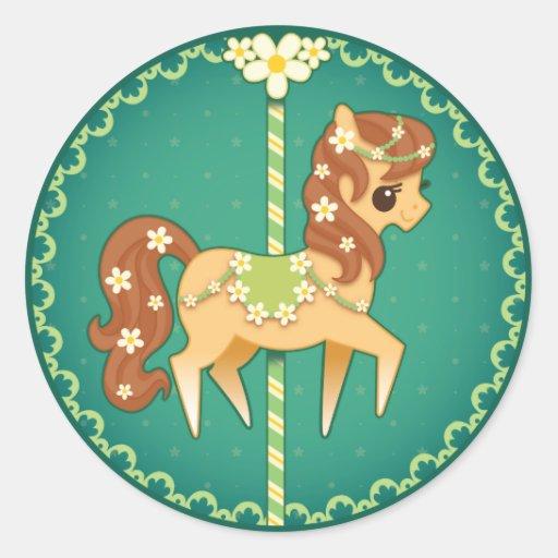 Poney de carrousel - fleur de marguerite adhésif rond