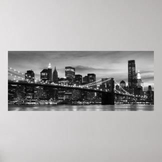 Pont de Brooklyn et horizon de Manhattan la nuit N