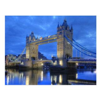 Pont de Londres à la carte postale de nuit
